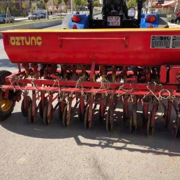 16 SEEDER CLEAN AND SMOOTH