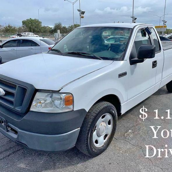 2007 Ford F150 Regular Cab XL Pickup 2D 6 1/2 ft