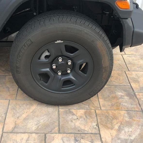 5 michelin all terrain tires on jeep steel wheels under 2000 miles total