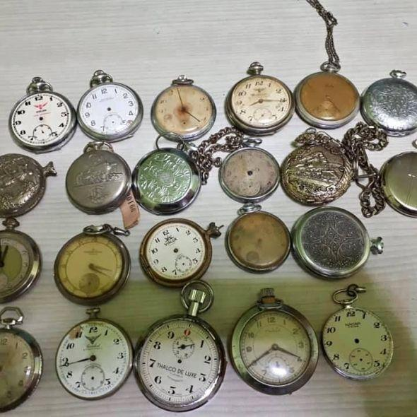 6 ad. Table clock, watch fobs 22