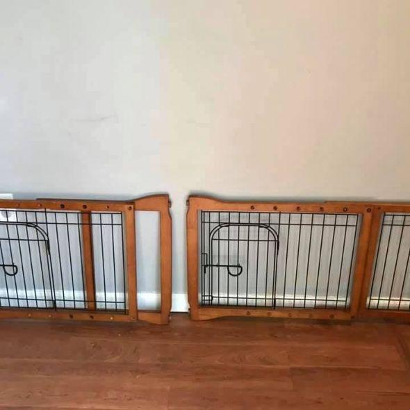 Adjustable wood pet gates