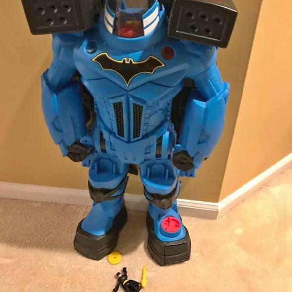 Imaginext DC Super Friends Batman Batbot Xtreme Extendable Wings Figure $20
