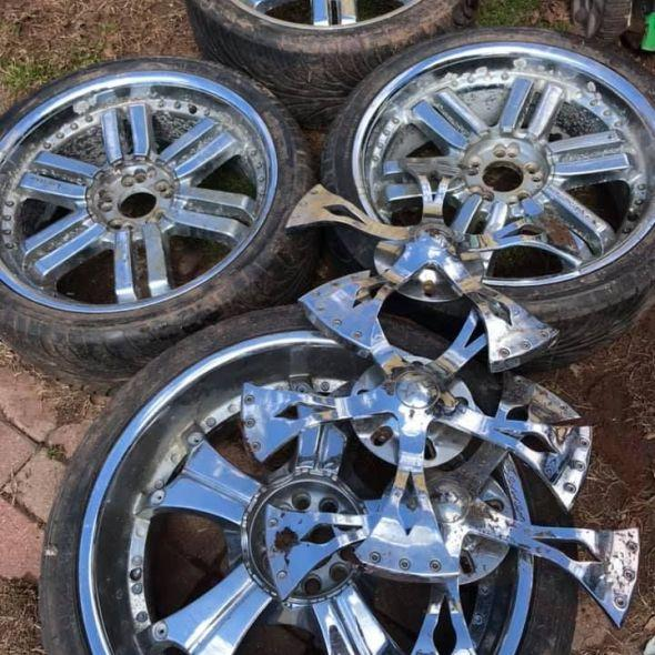 22 Inch Tires >> Ine 22 Inch 3 20 Inch Wheels And Tires Oto Aksesuar Everyg Com