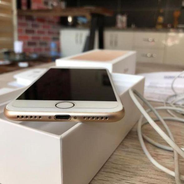 İphone 7  32gb Gold