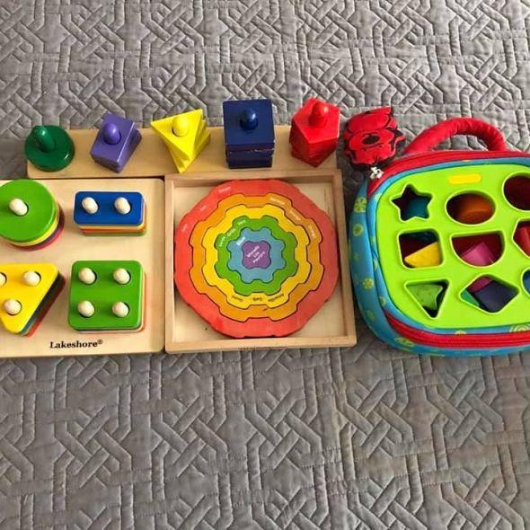 Shape sorter toy lot