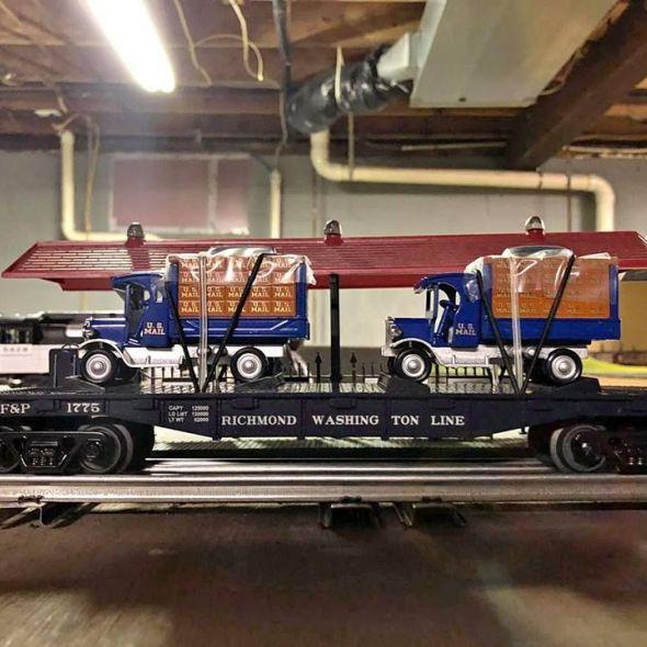 TH Railking Doodlebug and Freight car