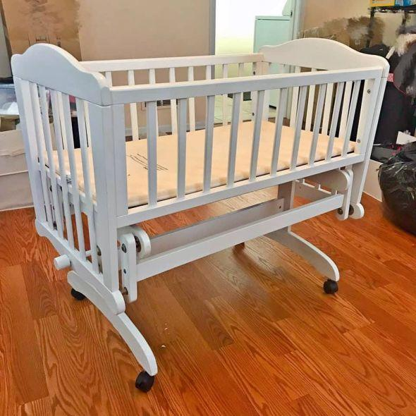 White Wooden Gliding Rocking Cradle Bassinet In Childrens Clothing Accessories Other