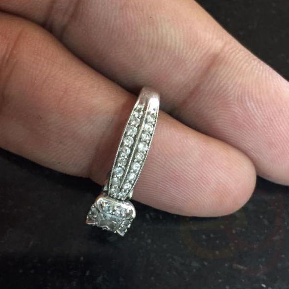 1ct white gold diamond ring engagement