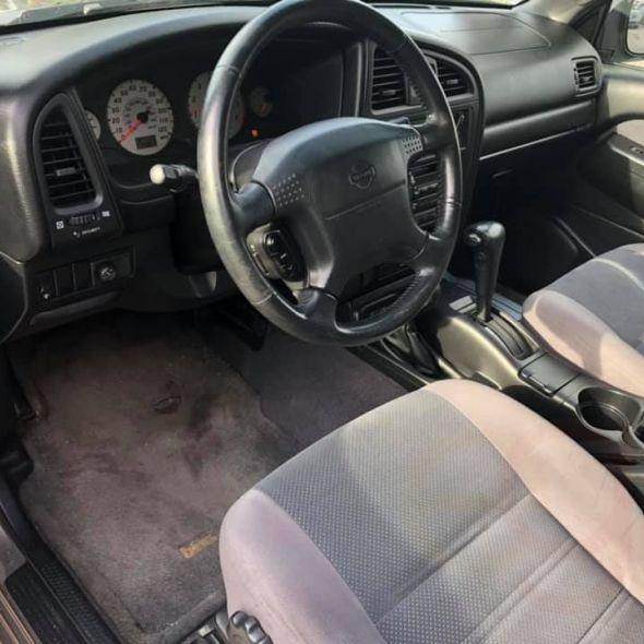 2001 Nissan Pathfinder · SE Sport Utility 4D