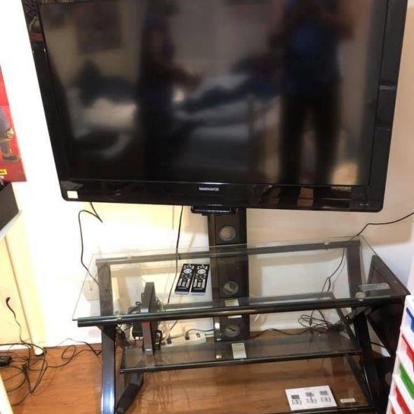 more photos dd2aa 18c3c 44 Inch Tv With Tv Stand In Electronics