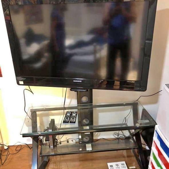 TV stand 44 inch TV with