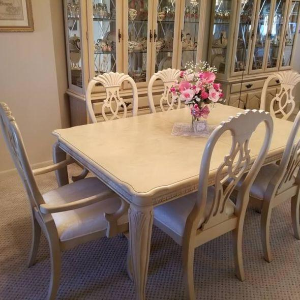 Formal Dining Room Table/Chairs And China Cabinet Set. China Cabinet Is Two  Piece And Is Lighted. In Furniture
