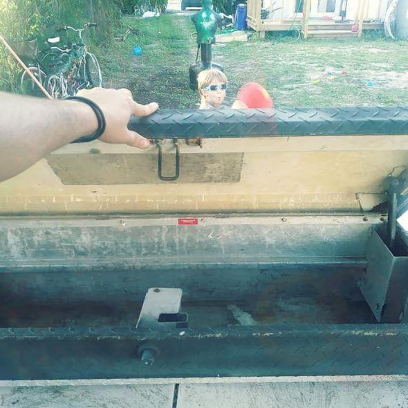 Side tool box