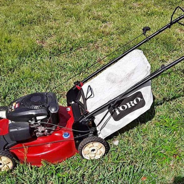 Toro Recycler Self Propelled Lawnmower *Needs Carb Cleaned & Fresh Gas*